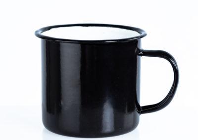 černý plecháček